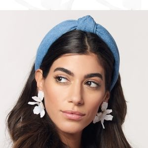 NWT Lele Sadoughi Paper Lily Earrings